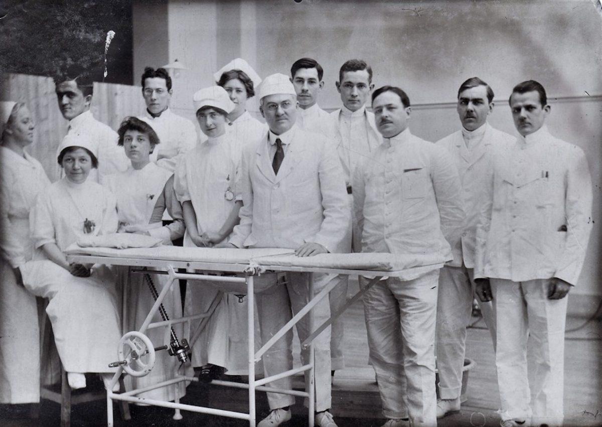 В этом эссе были освещены лишь несколько примеров того, как изменилась медицина в ходе этого конфликта и многое было упущено.